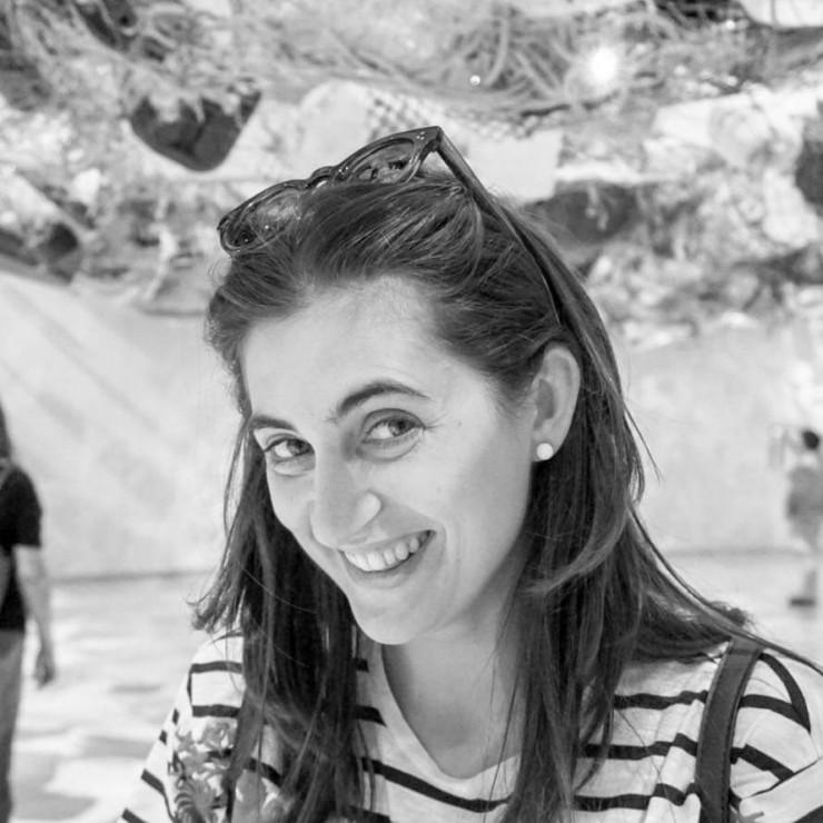 Lara Raínho - Comercial